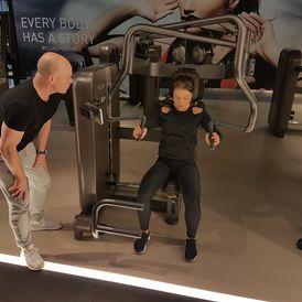 Unterstützung bei der Gewichtsabnahme Unterstützung für den Muskelaufbau verbessern, die allgemeine Fitness-Zustand-Gebäude mit HIIT Training muss das Training effektiv sein, aber es auch muss sein Spaß und Herausforderung, keep it going!