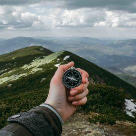 """Kick-Ass Ziele zu identifizieren und eine Vision für den ultimativen persönlichen und/oder beruflichen Erfolg zu definieren.   Wichtige persönliche oder berufliche Entscheidungen sollen gemacht werden und Sie vor der Entscheidung überzeugt werden wollen.  Entfachen Ihre Leidenschaften und Träume.  Identifizierung und Zerkleinern, einschränkenden Glaubenssätzen und inneren Saboteure.  Work-Life-Balance erreichen durch das Lernen, was/wen Sie sagen """"Nein!"""" zu.  Übertreffen Ihre Gewicht Verlust und/oder Fitness-Ziele."""
